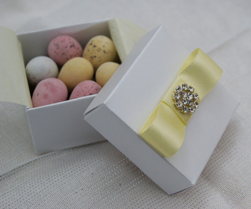Wedding Gifts London: Wedding Guest Favours
